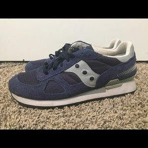 Suacony Shadow Shoes Size 7.5 Suede